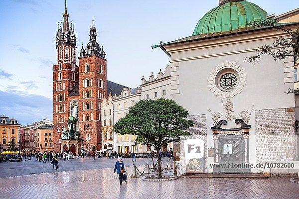 Kirche Quadrat Quadrate quadratisch quadratisches quadratischer Jungfrau Maria Madonna Basilika Krakau Markt Polen