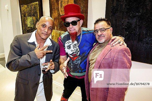 Mann Pose Hispanier Entertainment schwarz Kunst Galerie innerhalb Künstler Mode Florida Show