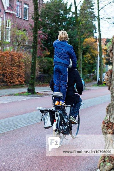Menschlicher Vater Sohn Niederlande Utrecht