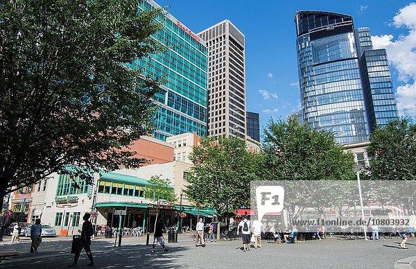 Mensch Menschen Menschlicher Vater Restaurant Hochhaus Quadrat Quadrate quadratisch quadratisches quadratischer Bewegung Laden Zimmer Innenstadt Markt Pennsylvania Pittsburgh