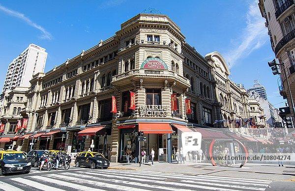 Einkaufszentrum Außenaufnahme am Tisch essen Eingang Wahrzeichen kaufen Argentinien Straßenverkehr Innenstadt