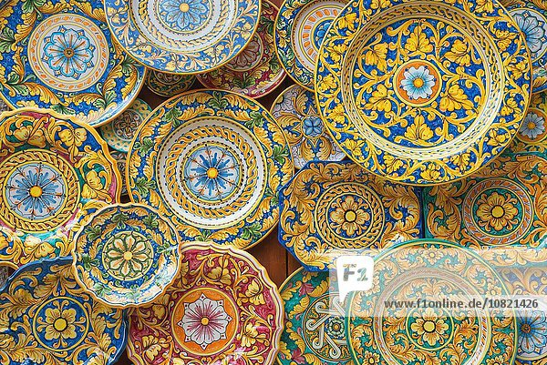 Traditionelle handbemalte Teller  Sizilien  Italien