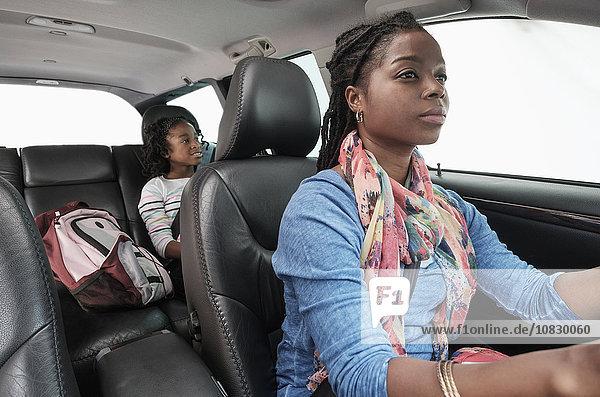Auto fahren schwarz Tochter Mutter - Mensch