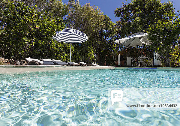 Pool in Ferienanlage