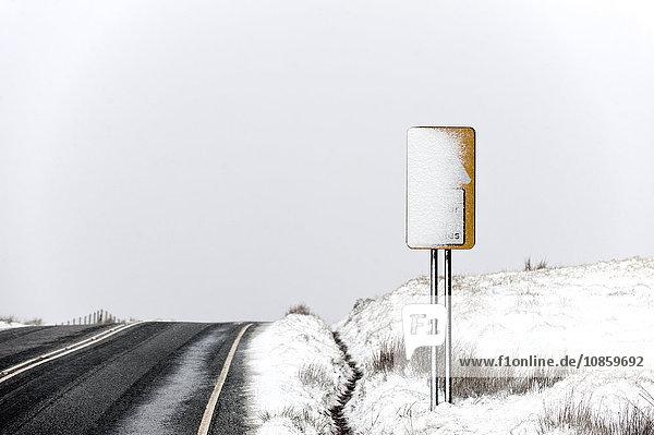 Winterlandschaft  Mynydd Epynt  Powys  Wales  Großbritannien  Europa