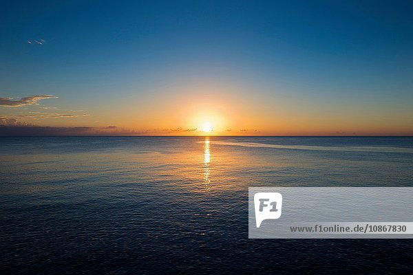 Sonnenuntergang von den Klippen  Negril  Jamaika