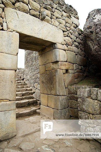 Originaleingang zur Stadt Machu Pichu  Peru