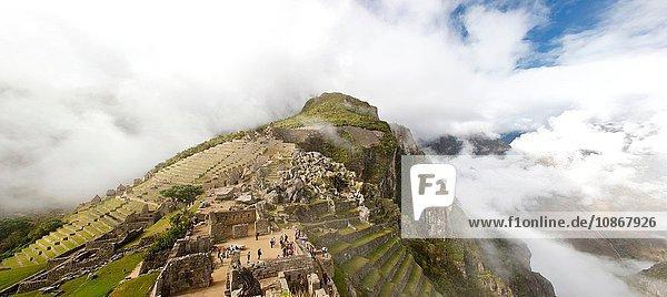 Frühmorgendlicher Nebel in Machu Picchu  Peru