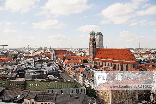 Frauenkirche und Stadtbild  München  Deutschland Frauenkirche und Stadtbild, München, Deutschland