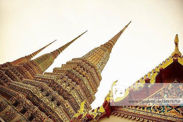 Verziertes Tempeldach  Bangkok  Thailand