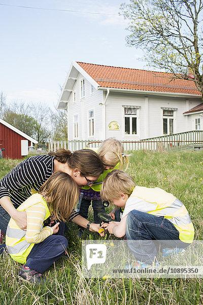 Schweden  Vastergotland  Olofstorp  Bergum  Kinderbetreuung (2-3  4-5  6-7) im Freien