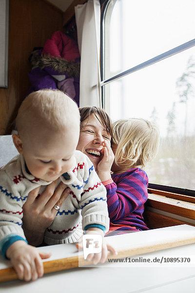 Schweden  Mutter und Kinder (12-17 Monate  2-3 Jahre)