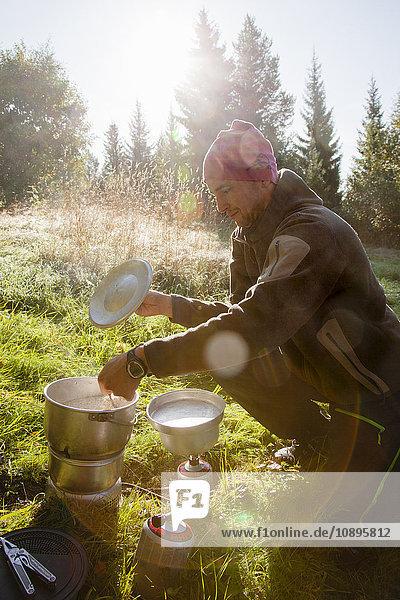 Schweden  Medelpad  Sundsvall  Kochsuppe für mittlere Erwachsene