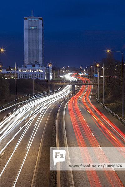 Schweden  Skane  Malmö  Stockholmsvagen  Autobahn bei Nacht