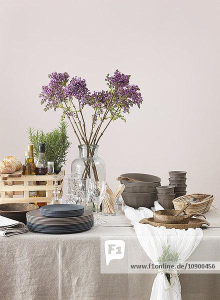 Schweden  Vastergotland  Elegante Tischdekoration
