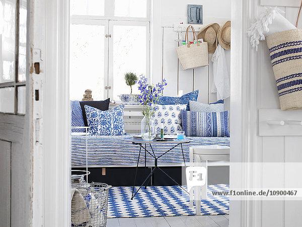 Abwesenheit,Bauwerk,Beleuchtung,blau,Blume,Blumenvase