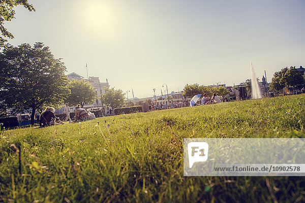Schweden  Vastra Gotaland  Göteborg  Entspannung im Park