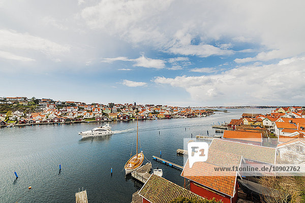 Schweden  Westküste  Bohuslan  Fiskebackskil  Luftaufnahme des Fischerdorfes
