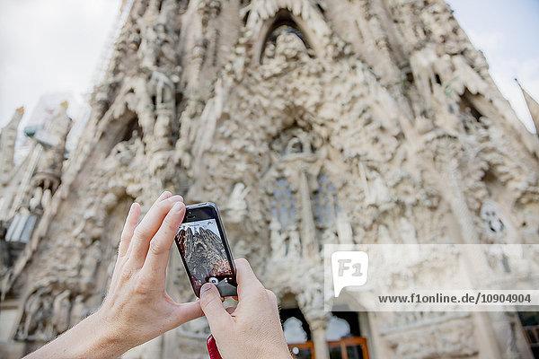 Spanien  Barcelona  La sagrada familia  Tiefblick auf die Kathedrale