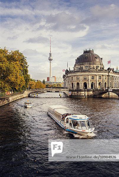 Deutschland  Berlin  Blick auf die Spree
