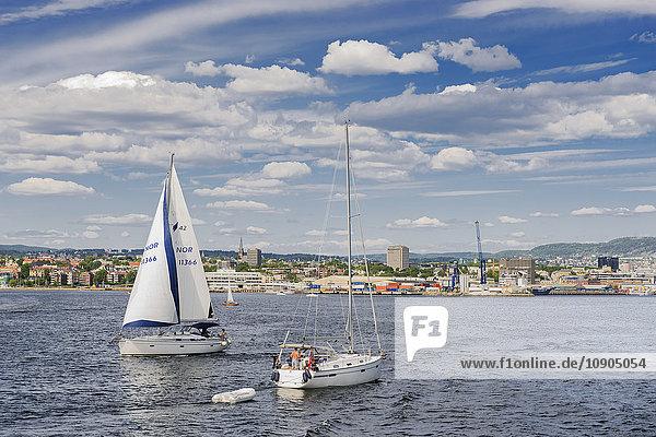 Norwegen  Oslo  Blick vom Meer auf die Stadt