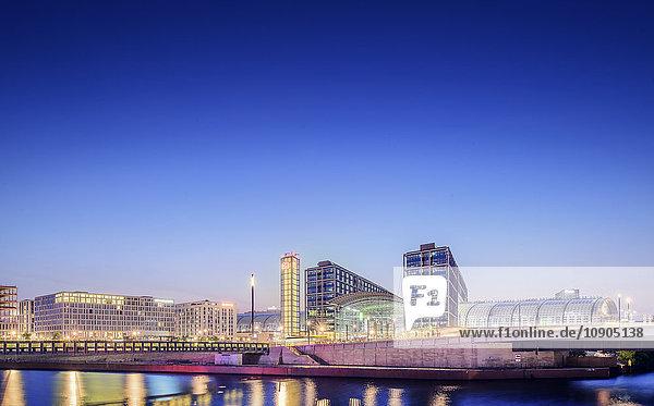 Deutschland  Berlin  Skyline mit Berlin Hauptbahnhof