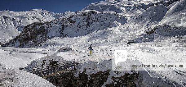 Frankreich  Hautes Alpes  Ecrins Nationalpark  Prapic  Mourre Froid  Skibergsteigen