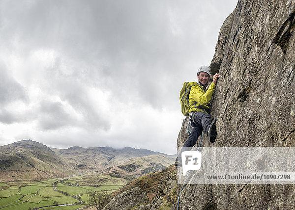 England  Cumbria  Lake District  Langdale  Raven Crag  Middlefell Buttress  Kletterer