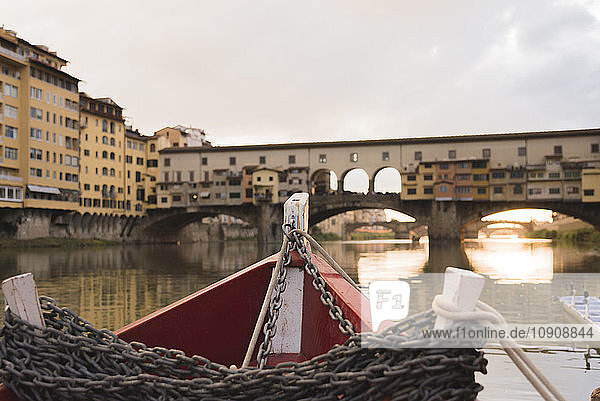 Italy  Tuscany  Florence  Ponte Vecchio by boat