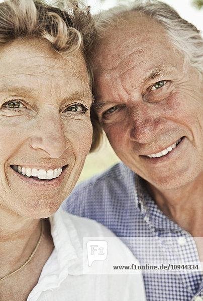 Nahaufnahme Porträt eines lächelnden Paares