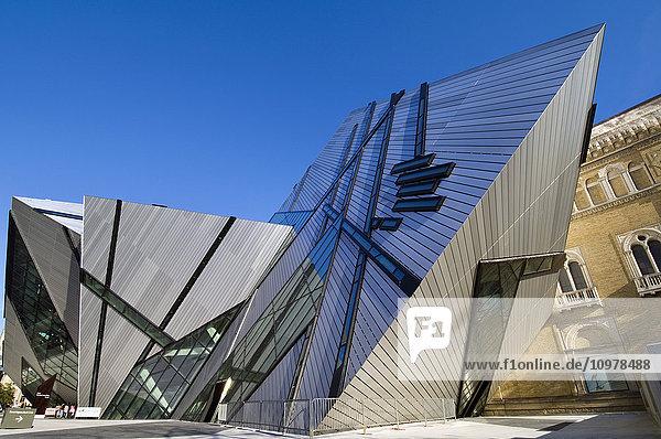 Royal Ontario Museum  Designed By Daniel Leibskind  Toronto  Ontario