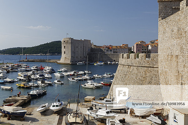 Croatia  Dubrovnik  Harbour and old town with city wall