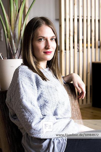 Porträt einer selbstbewussten Frau