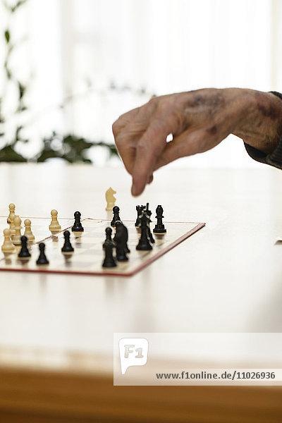Schachspiel im Seniorenheim