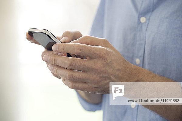 Mit dem Smartphone  Nahaufnahme