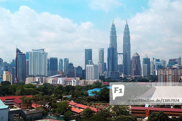 Stadtansicht  Petronas Twin Towers  Kuala Lumpur  Malaysia  Asien