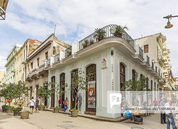 Cafe Taberna  Auftrittslokal von Buena Vista Social Club  Plaza Vieja  Restaurierte Stadtpaläste im Zentrum von Havanna  Havanna  La Habana  Kuba  Republik Kuba  Große Antillen  Karibik  Nordamerika