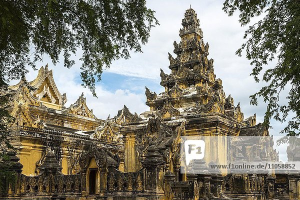 Maha Aungmye Bonzan Monastery  ancient city of Inwa or Ava  Mandalay Division  Myanmar  Burma  Asia