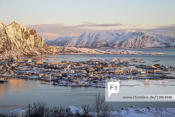 Ortsansicht Svolvær  Svolvaer  Lofoten  Nordland  Norwegen  Europa