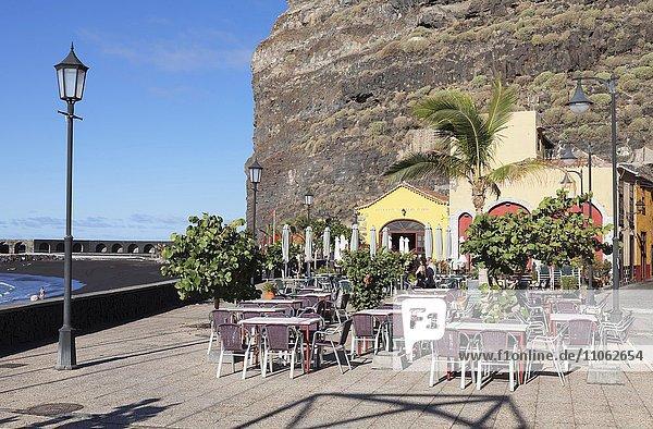 Restaurant an der Promenade von Puerto de Tazacorte  La Palma  Kanarische Inseln  Spanien  Europa