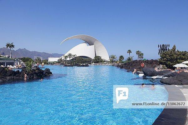 Badeanlage Parque Maritimo Cesar Manrique und Auditorium von Santiago Calatrava  Santa Cruz  Teneriffa  Kanarische Inseln  Spanien  Europa