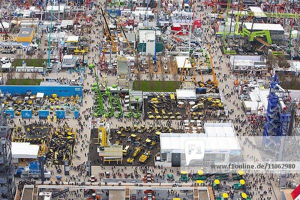 Kräne und Baumaschinen  BAUMA Messe 2016  Außengelände  Luftaufnahme  München  Bayern  Deutschland  Europa