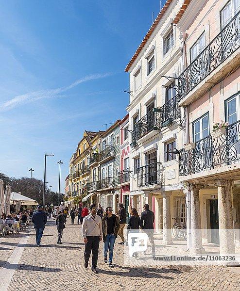 Fußgängerzone  Bunte Häuser  Belém  Lissabon  Portugal  Europa