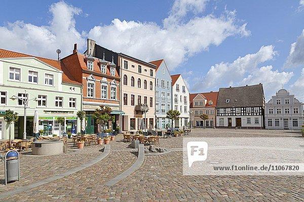 Marktplatz  Ueckermünde  Stettiner Haff  Mecklenburg-Vorpommern  Deutschland  Europa