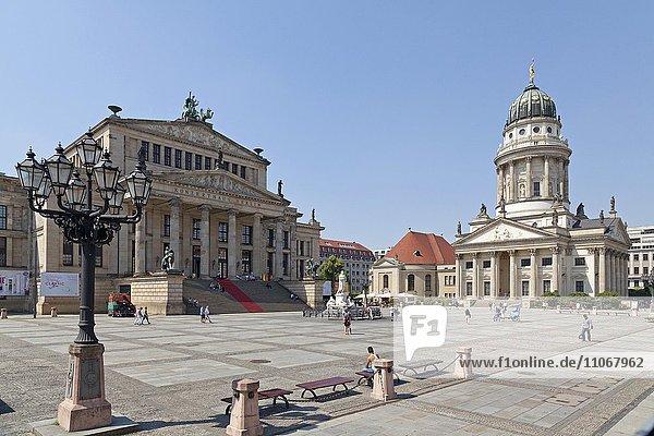 Konzerthaus und Französicher Dom  Gendarmenmarkt  Berlin  Deutschland  Europa