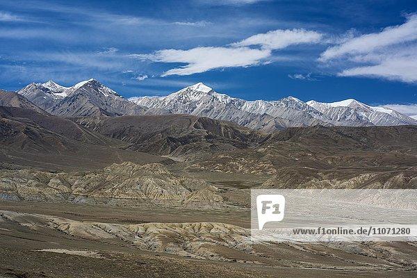 Berge  Berglandschaft bei Lo Manthang  Königreich Mustang  Upper Mustang  Himalaya  Nepal  Asien