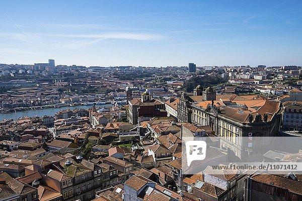 Ausblick über die Altstadt  Porto  Portugal  Europa