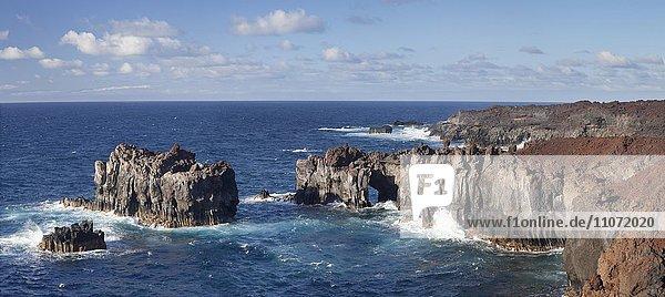 Steile Felsenküste  Puntas de Gutierrez  El Hierro  Kanarische Inseln  Spanien  Europa
