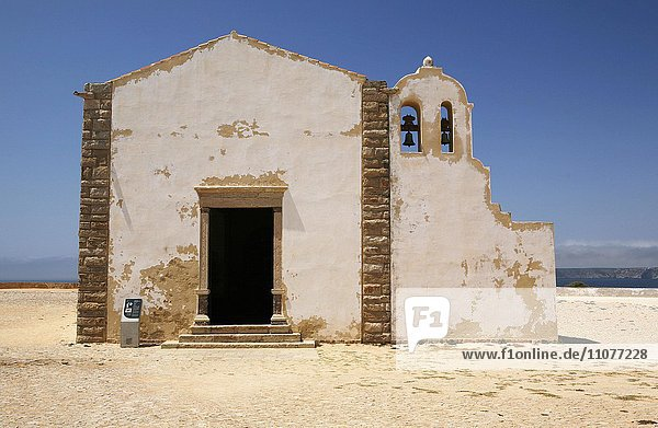 Kirche  Kapelle  Igreja de Nossa Senhora da Grace  Fortaleza de Sagres  Algarve  Portugal  Europa