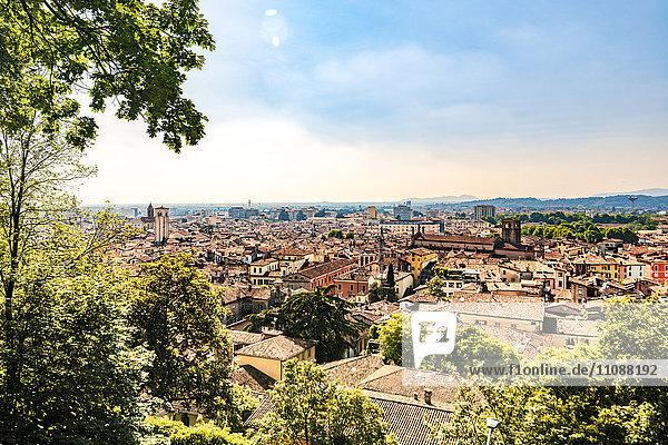 Italien  Brescia  Blick von Colle Cidneo auf die Stadt